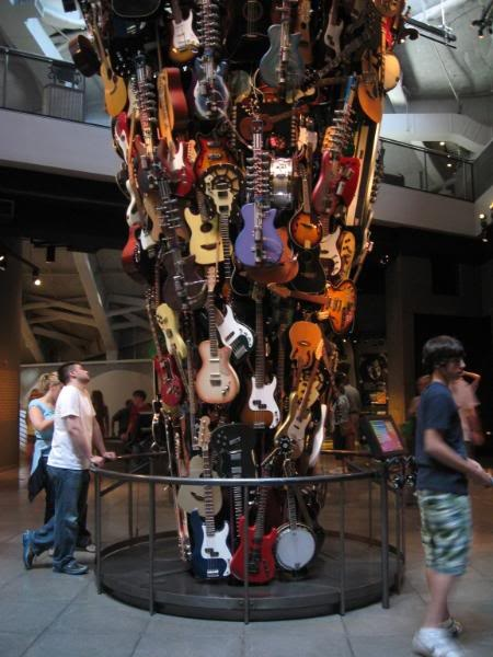 Experience Music Project And Science Fiction Museum And Hall Of Fame (Built  By Billionaire Paul