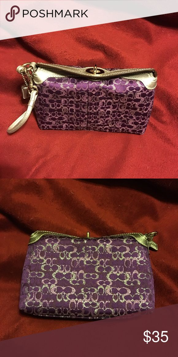 Authentic coach wristlets nwt Authentic nice Coach wristlet NWT Coach Bags Clutches & Wristlets