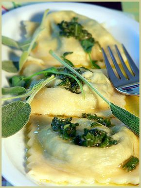Sage Butter and Spinach Ravioli — Ravioli aux épinards et au beurre parfumé à la sauge | La Tartine Gourmande