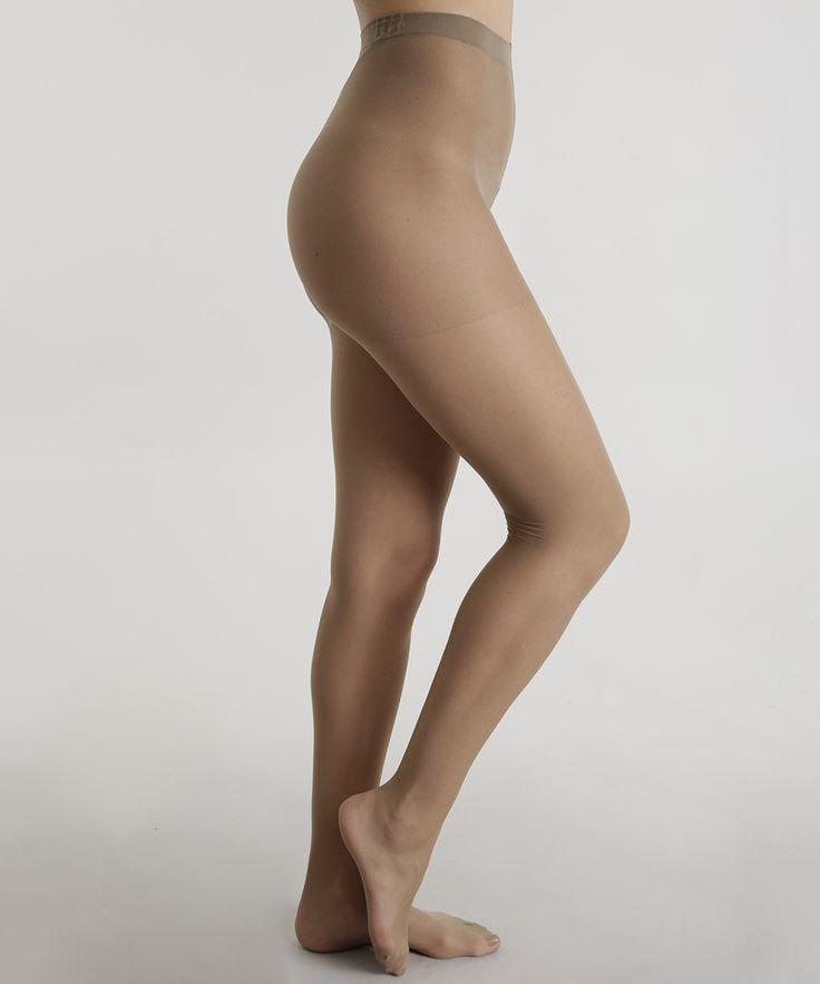 Essa meia calça foi confeccionada em fio 20. O modelo tem aderência clássica. O cós tem acabamento duplo e reforçado.    Composição: 98% Poliamida 2% Elastano