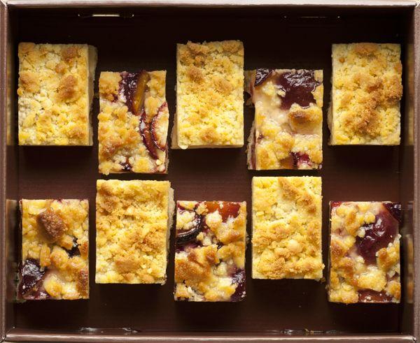CRUMBLE 10 crumbles aux prunes et aux pommes pour 8-10 personnes