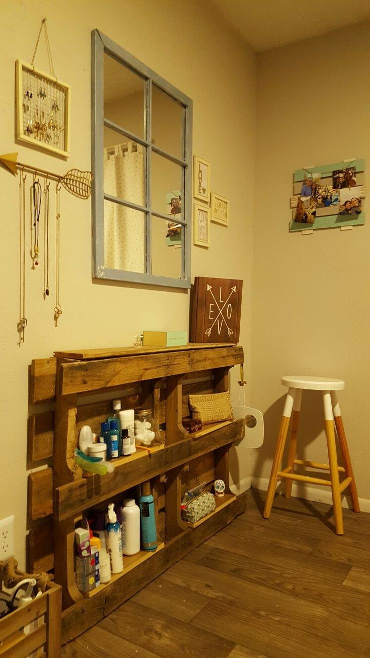Bedroom Furniture Made Out Of Pallets best 25+ pallet vanity ideas on pinterest | diy makeup vanity