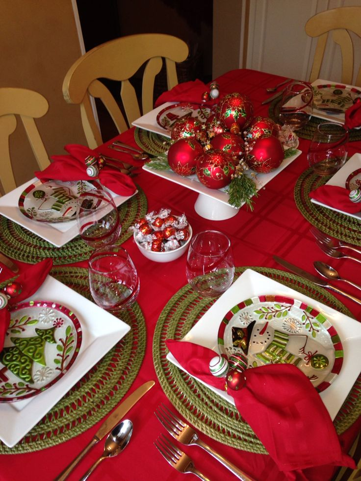59 best Christmas Tablescapes images on Pinterest | Christmas ...