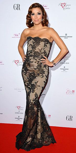 Who made Eva Longoria's black lace gown that she wore at the Par Couer Gala in Paris?