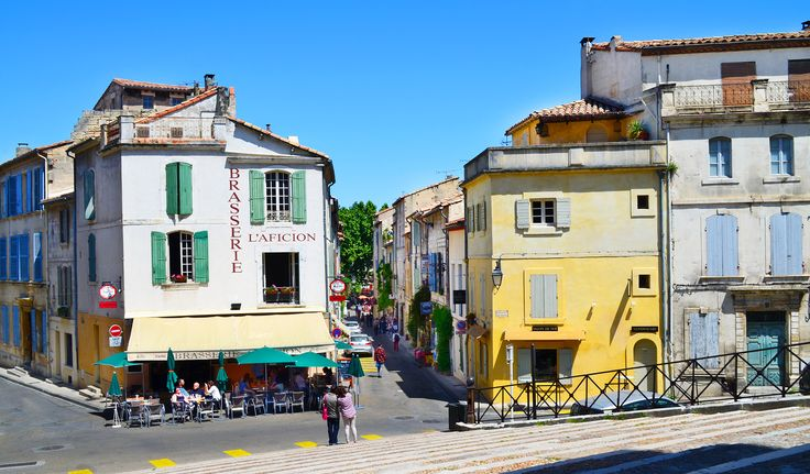 Provence-Alpes-Côte d'Azur - A prism of radiant color and sensations warmed by the sun, kissed by the sea, and perfumed by the sweetest of blooms, Provence-Alps-Cote d'Azur is the scintillating soul of Southern France.