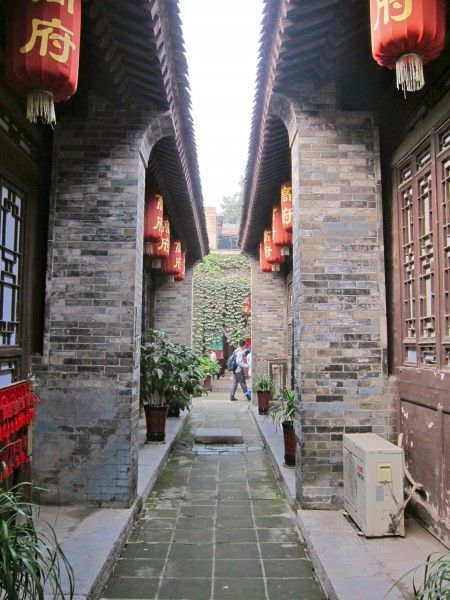 Top Things to Do, See and Eat in Xi'An, China - Terracotta Warriors, Dumplings, Muslim Quarter and more