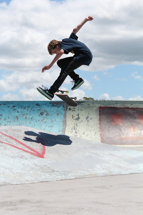 One of the best feelings in the world is to turn up your music and just skate.... /Asiaskate/