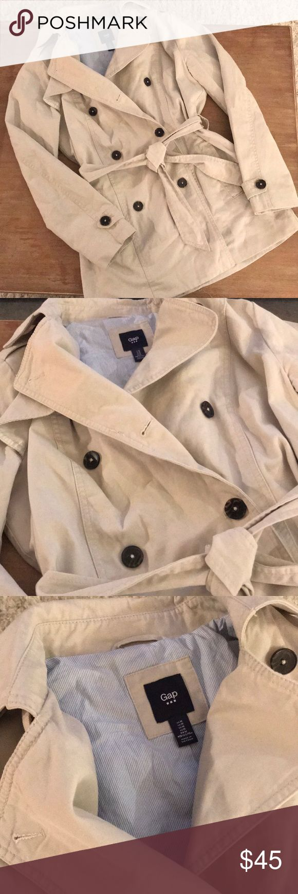 Gap Trench Coat 🎉Host Pick 🎉 Gap trench coat (from gap outlet store). Light khaki in color. Light blue and white striped lining. Tortoise buttons. Very stylish and classic. Worn once. Size medium. GAP Jackets & Coats Trench Coats