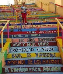 """""""Escalera de la vida"""" Calle Álvaro López Núñez ,León, España. Intervenciones urbanas realizadas por alumnos del colegio Marista San José, en la ciudad de León, España."""