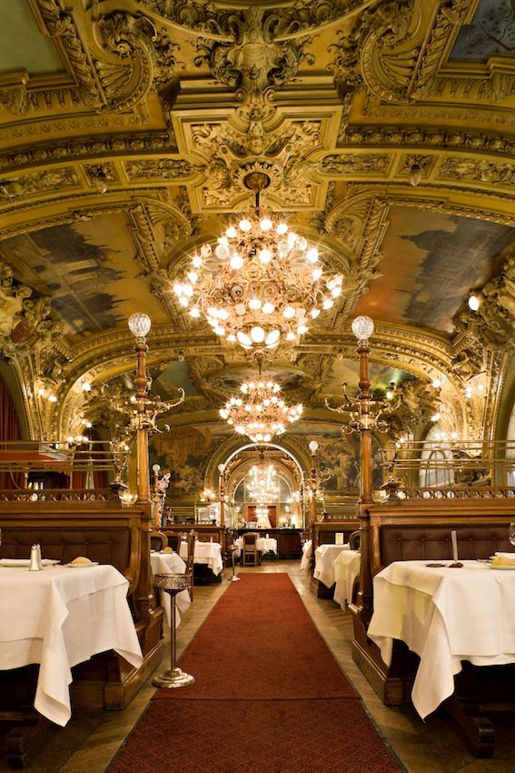 1000 ideas about paris restaurants on pinterest paris 2015 paris france and honeymoon in france - Gare de salon de provence ...
