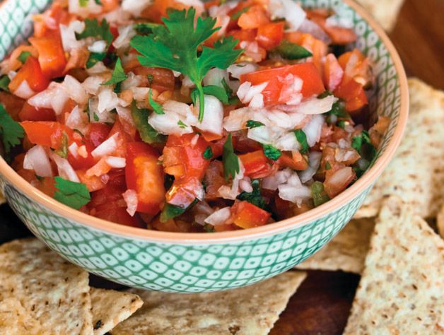 Fresh Tomato Salsa – Serve this salsa with your favorite chips and guacamole.