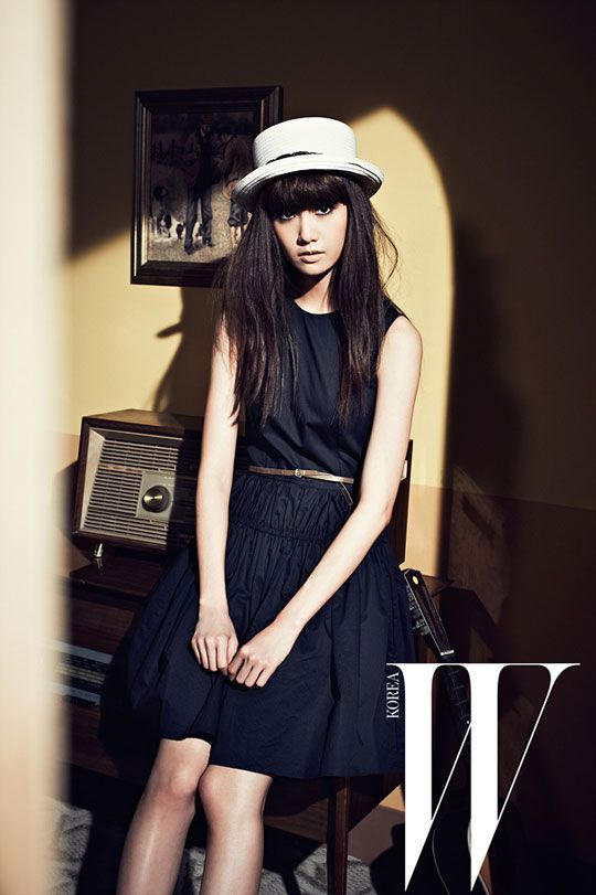 w: Snsd Yoona, Yoona Snsd, French Fashion, Girls Generation, Snsds Yoona, Kpop, Korean Fashion, Photos Shoots, Fashion Stores
