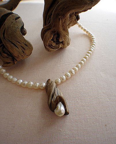 https://flic.kr/p/63o71k | Driftwood loves pearls