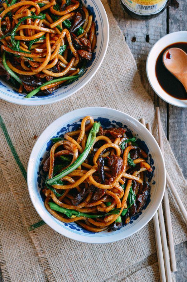 Shanghai Fried Noodles 上海粗炒面, by thewoksoflife.com