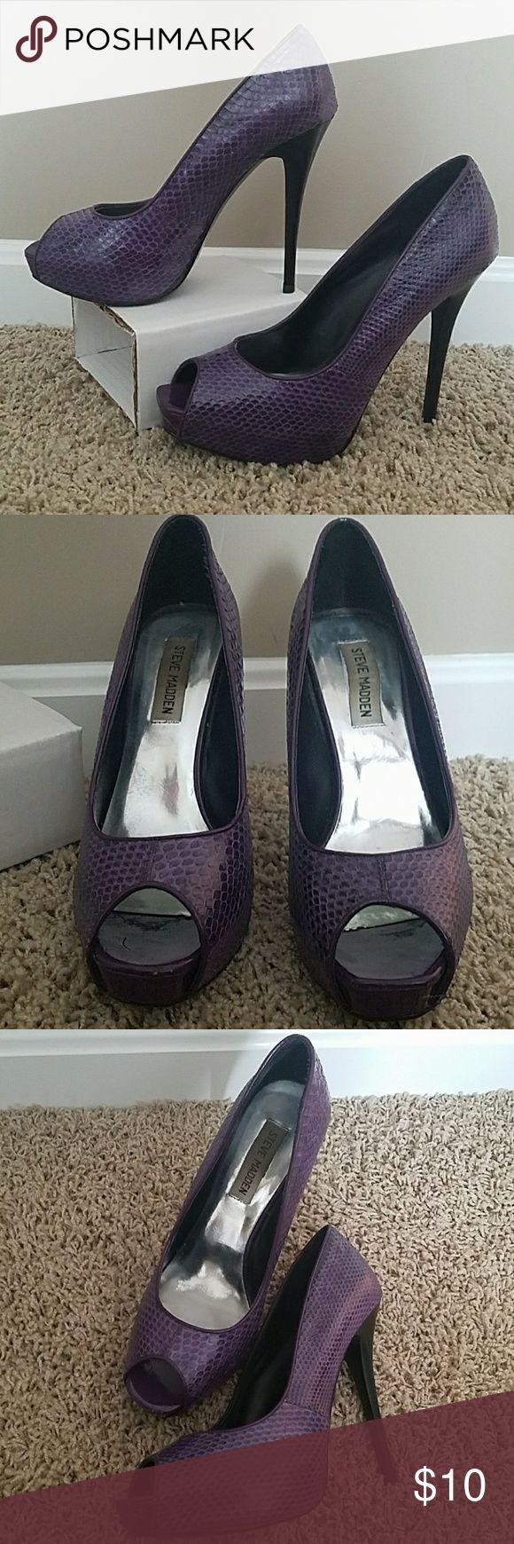 Steve Madden Karlitta Platform pumps Subtle snake print heels. Purple with black heel. Slight wear, good shape. Steve Madden Shoes Heels