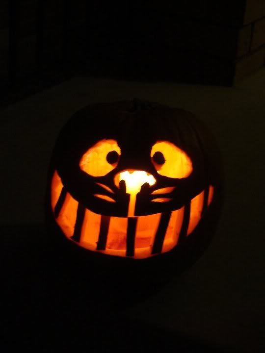 Cheshire Cat Pumpkin Stencil | We also decided on making a Cheshire Cat pumpkin. I managed to ...