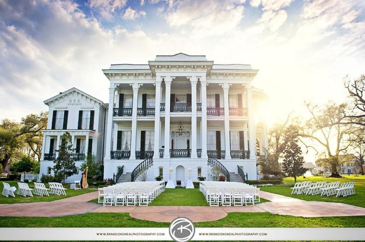 One of Louisiana's most amazing venue's - Nottoway Plantation.   By Brandon O'Neal Photography: Brandon Oneal, Blog, Oneal Photography, Nottoway Wedding 008