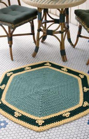 FREE CROCHET RUG PATTERN-Easy Hexigon Rug- I would choose different colors of course but this has potential. I see a striped rug in my future!!