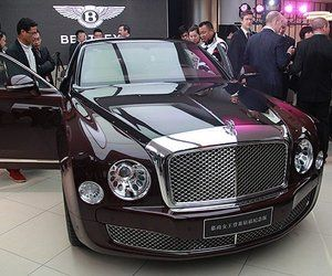 On the occasion of open the Bentley dealership in China, Bentley introduces Bentley Mulsanne Diamond Jubilee Edition in honor of Queen Elizabeth II's 86th birthday. Only 60 models will be produced with royal amenities added by the Mulliner team, the same team that crafted Official State Limousine of Queen...