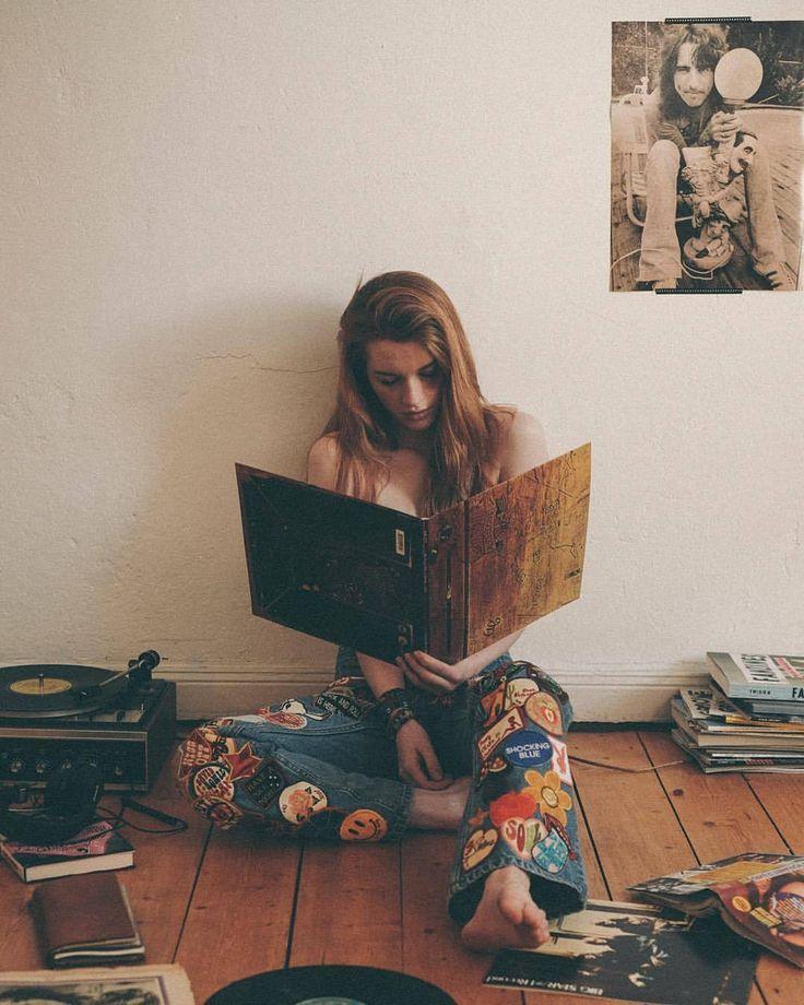 "patchyalater: ""#patchyalater Sunday vibes. Photo by @bob_sala "" ~ Beautiful Bookworms ~"