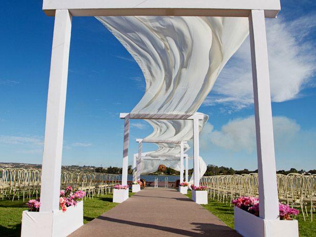 Casamento fora da igreja: veja dicas para decorar a cerimônia | Tony Cavalcanti Fotógrafo - CNPJ: 15.080.669/0001-08