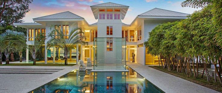 How some luxury home sellers are taking advantage of today's buyer's market and avoiding the limits of aspirational home pricing in the face of wavering demand, brought to you by Marcie Hahn-Knoff  REALTOR® | Broker, PureWest Christie's International Real Estate homeinbozeman.com