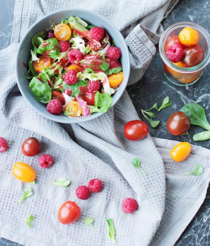 Tomatensalat mit Himbeeren & Büffelmozzarella