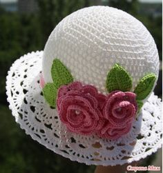 Crochet Cloche Hat - lots of free patterns in our post - the whoot