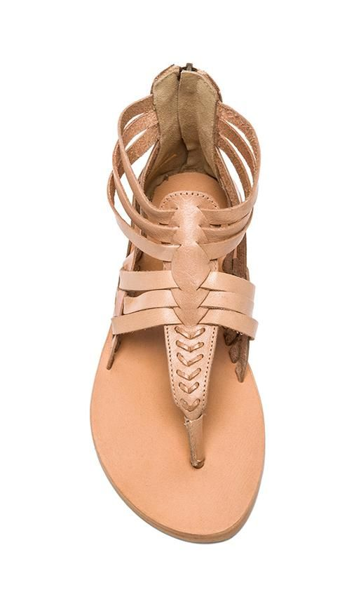 neutral sandal. perfect for summer!