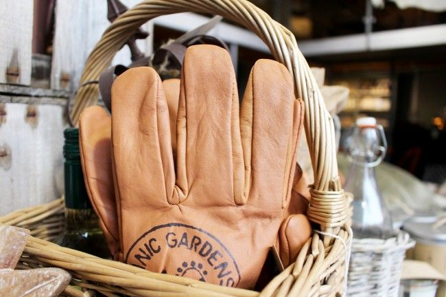 Kew Garden leather gardening gloves - WARINGS Store  www.waringsathome.co.uk