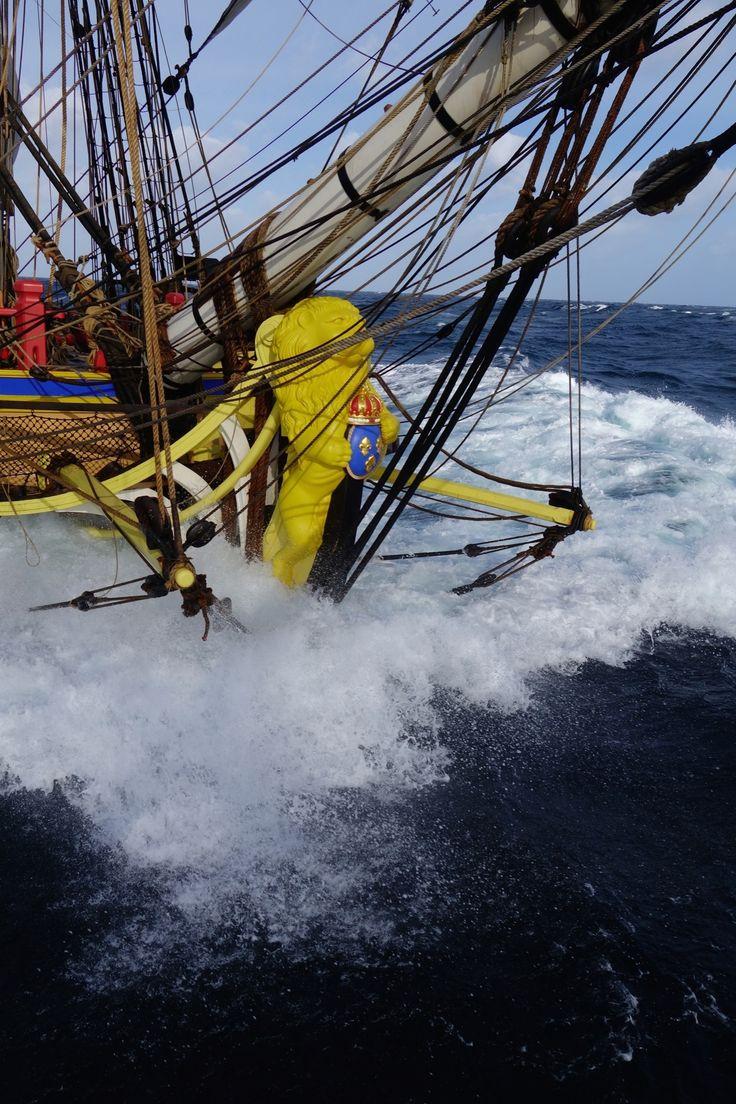 The Channel crossing - http://www.visit-poitou-charentes.com/en/Poitou-Charentes-Blog/News-Offers/The-Frigate-Hermione-making-waves-across-the-Atlantic