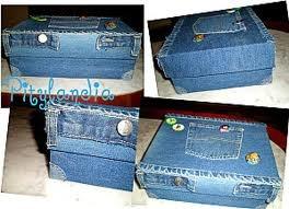 Cajas de cartón forradas con retazos de jeans                              …
