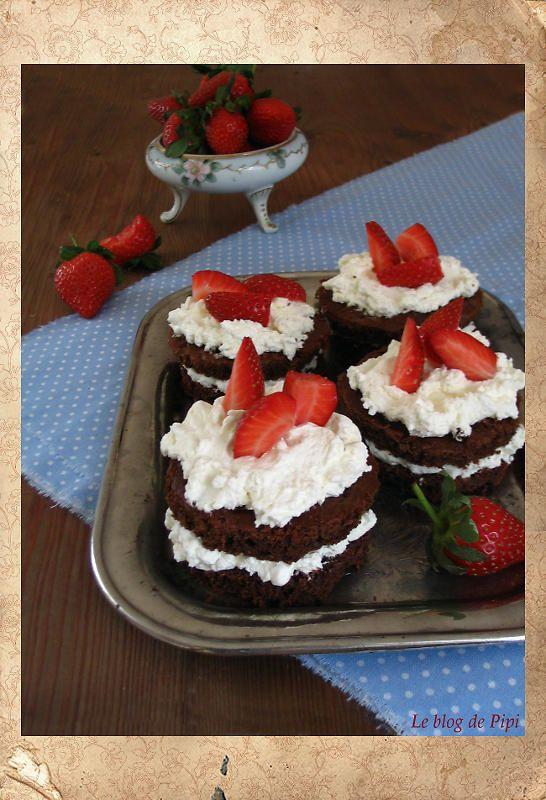 Datlové dortíky s krémem  a jeden dlouhý narozeninový příspěvek