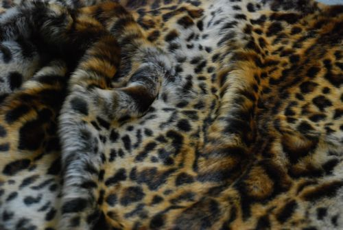 Super-Luxury-Faux-Fur-Fabric-Material-GOLD-JAGUAR