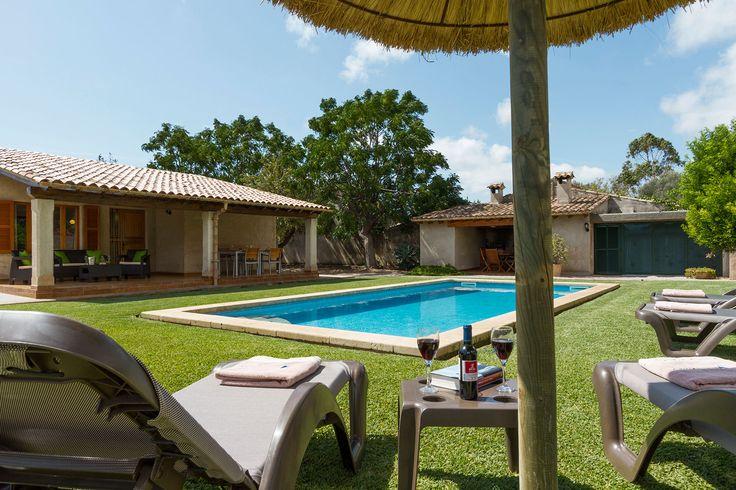 Preiswerte kleine charmante Landhaus Finca an der Nordküste mit Pool, Kamin, Heizung, Safe und Klimaanlage für 6 Personen bei Pollensa.