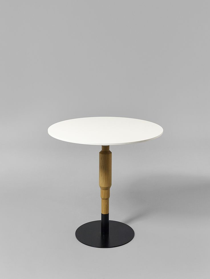 Minus tio - Cosmos 730mm wood pedestal table in clear lacquered oak with 800mm diameter table top and black base
