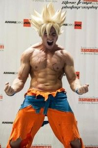 Cosplayer Living Ichigo as Super Saiyan Goku