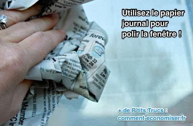 Polir et sécher la vitre avec le papier journal
