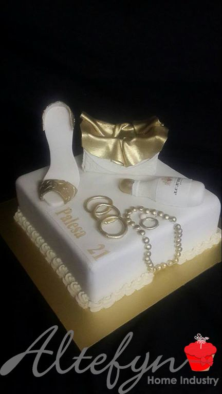 Single tier ladies glam 21st birthday cake