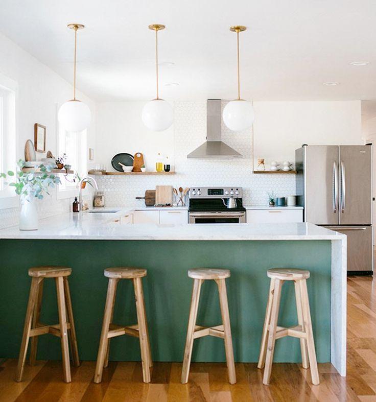 Inspiratie: een keuken in olijfgroen | Woonguide.nl | Foto: Chandler Kim