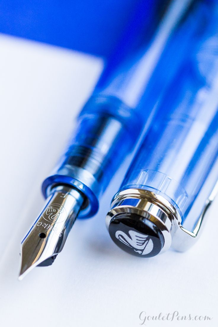 Let your writing soar with this gorgeous fountain pen! The Pelikan m205 Demonstrator Transparent Blue is sky blue and beautiful. Pin for later!