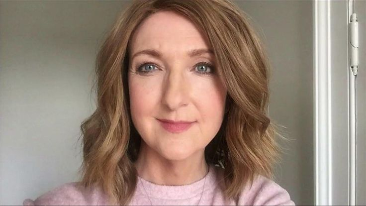 Victoria Derbyshire cancer diary: 'Taking my wig off' - BBC News