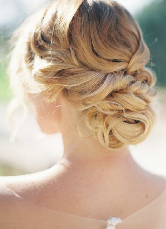 Wedding hairstyle idea; Featured Photographer: Sara Hasstedt Photography