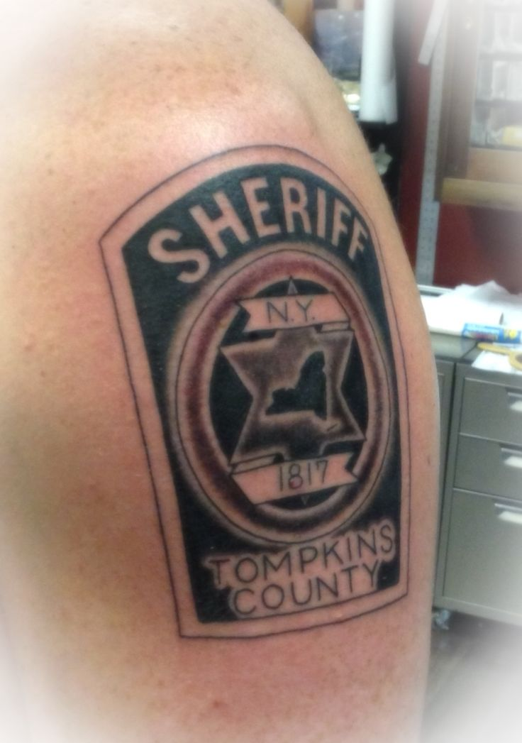 72 best police tattoos images on pinterest cop tattoos police tattoo and tatoos. Black Bedroom Furniture Sets. Home Design Ideas