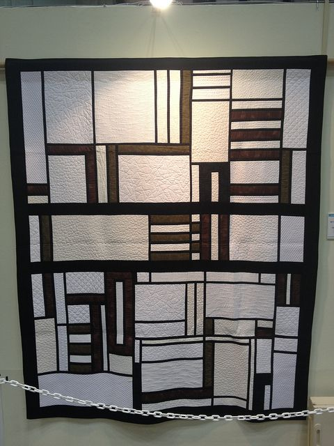 Beyond Art Deco Glass by Patricia Reid (Australia)
