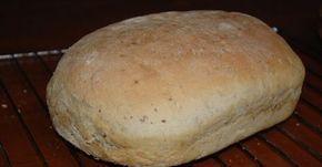 Na ruim een half jaar wekelijks brood bakken, ben ik tevreden over het resultaat. Ik bak nu al geruime tijd brood van een basisrecept...