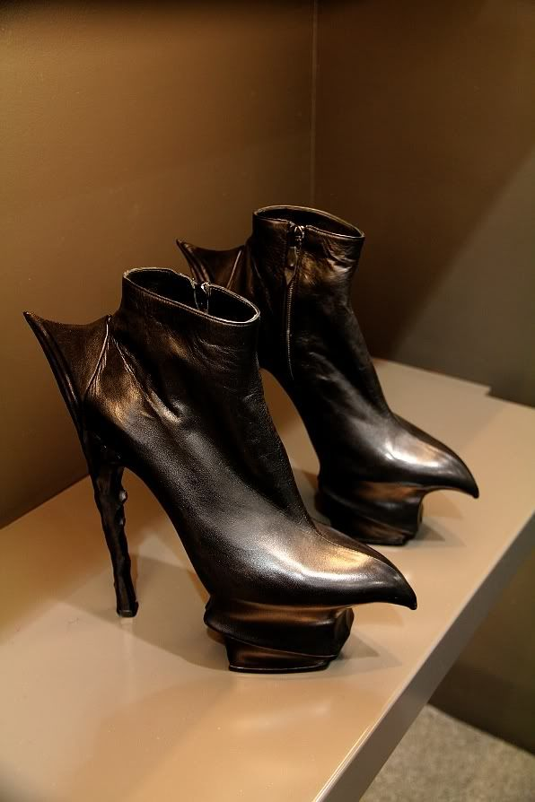 These shoes scare me....anyways...Renowned shoemaker Massaro (who makes shoes for Chanel haute couture) also made this pair for Mugler.