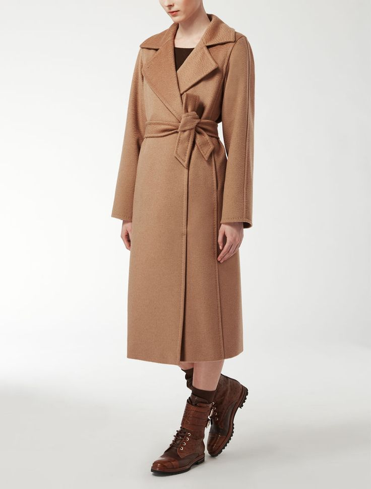 Max Mara MANUELA beige/camel: Camelhair coat. Find your outfit on the Official Max Mara Website and discover all that is new in ready-to-wear.