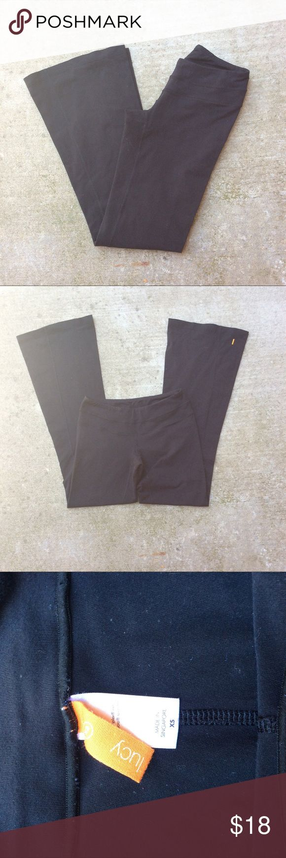 """Lucy wide leg yoga pants Lucy activewear wide leg yoga pants   Size XS   Black   Approx measurements laying flat:  Waist without stretch 14""""  Inseam 32""""   Gently used with some piling Lucy Pants Leggings"""
