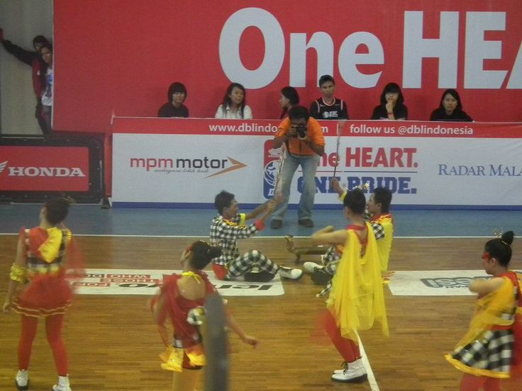 At DBL'12, me? yellow wing :D
